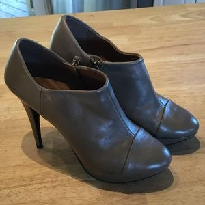 Zara Woman Gray Platform Ankle Booties Size 40